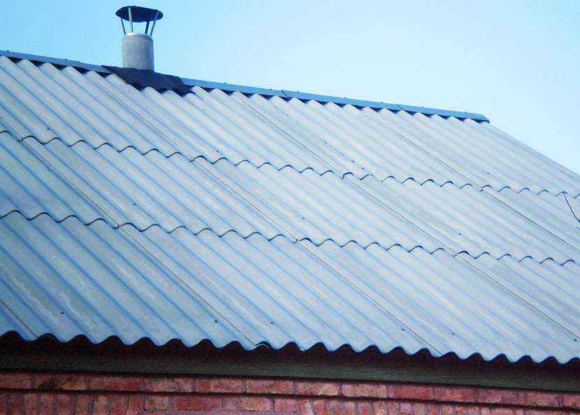 Как крепить шифер – правила выбора гвоздей, саморезов, особенности технологии и варианты укладки на крышу