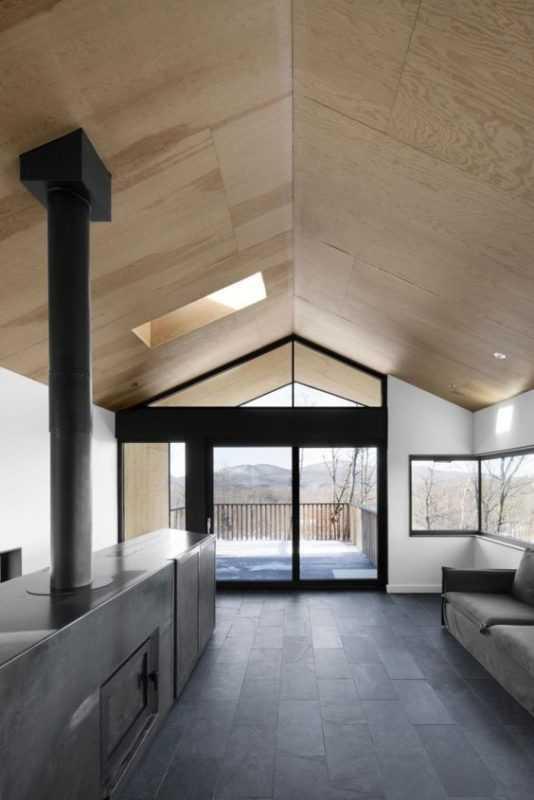 Обшивка потолка фанерой в деревянном доме и фото отделки